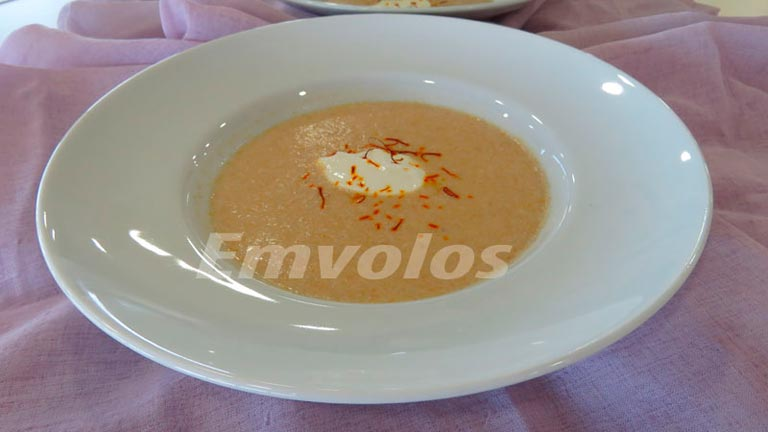 Σούπα κοτόπουλου τραχανά με Κρόκο Κοζάνης