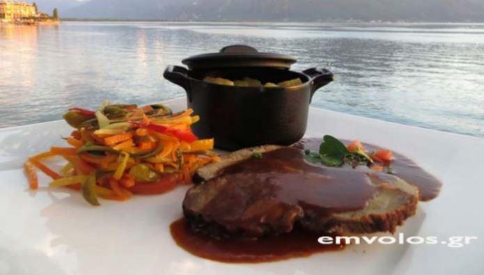 Μπούτι χοιρινό στη γάστρα με πατάτες και ταλιατέλες λαχανικών