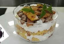 Trifle με ανανά και κρέμα καρύδας