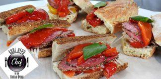 Γεμιστό σκορδόψωμο με σαλάμι και ψητές πιπεριές