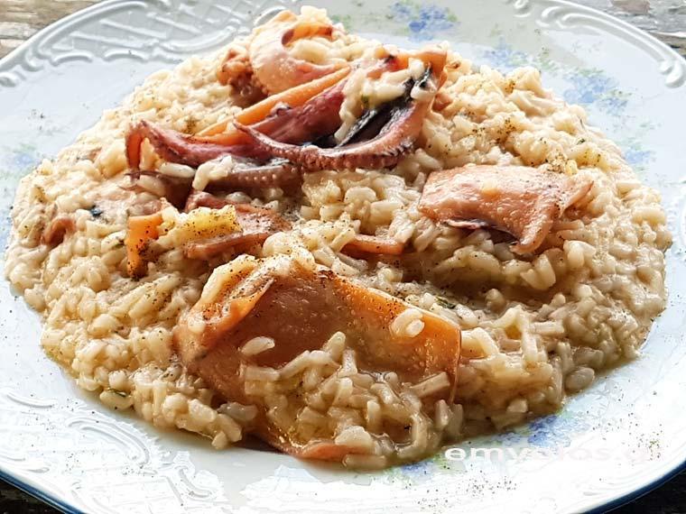 Kαλαμάρια με το ρύζι
