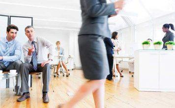 Σεξισμός στη δουλειά: Πώς να τον αναγνωρίσετε και τι να κάνετε