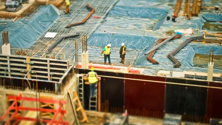 """""""Μπόνους"""" στην οικοδομή από την αναστολή του ΦΠΑ και την έκπτωση από το φόρο εισοδήματος του 40% της δαπάνης για εργασίες επισκευών"""