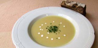 Σούπα σελινόριζας με πράσινο μήλο και κάστανο