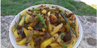 Μανιτάρια με πατάτες στη λαδόκολλα