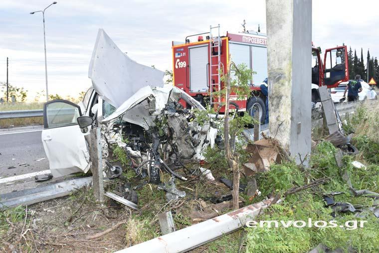 Τραγικό τροχαίο δυστύχημα-Νεκρός ο 49χρονος οδηγός[Φωτογραφίες]