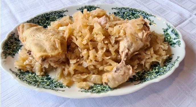 Kοτόπουλο με λάχανο τουρσί